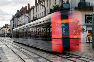 flou mouvement tramway- cours photo à Tours