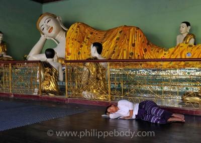 Yangon - Shwedagon, sieste