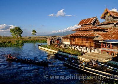 BIRMANIE, LAC INLE, MONASTERE DES CHATS SAUTEURS//Burma, Myanmar, Shan state, Inle Lake, Nga pe Chaung Monastery