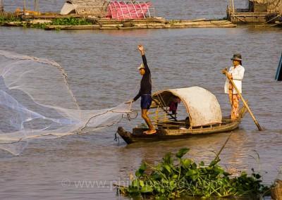 PECHE SUR LE TONLE SAP, KOMPONG CHHNANG, CAMBODGE // FISHING ON TONLE SAP LAKE, KOMPONG CHHNANG, CAMBODIA