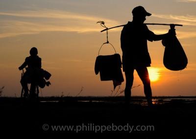 RETOUR DES CHAMPS, KOMPONG CHHNANG, CAMBODGE//KOMPONG CHHNANG, CAMBODIA